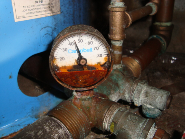 defective well pressure tank gauge